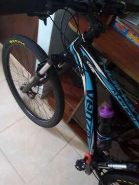 Se vende bicicleta venzo cómo nueva