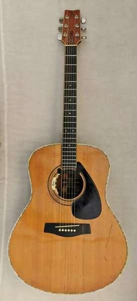 Guitarra electroacústica Yamaha fg 1000j