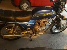 Vendo HONDA 400cc unica en su estado