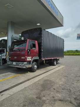 Vendo Ford cargo larga horiginal troque de 500