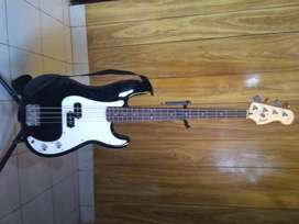 Bajo Fender Squier precision bass affinity series