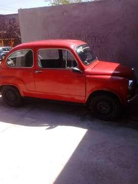 Dueña vende Fiat 600 papeles al día