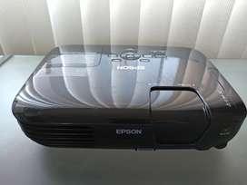 Vendo videobeam Epson 3LCD usado.