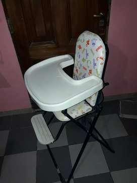 Vendo mesa de comer para bebé