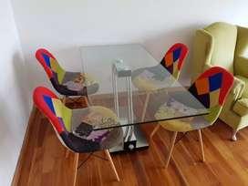 mesa italiana regulable con sillas