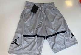 Short Jordan Gris Nuevo talle S
