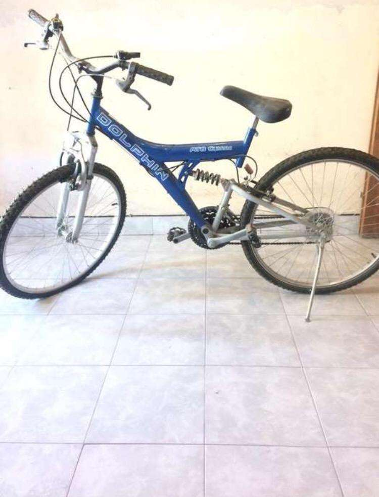 Bicicleta estilo mountain bike 0