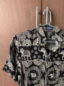 Camisa negra decoración tipo Tailandesa