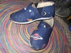 Zapatos Nuevo y semi nuevo para niños