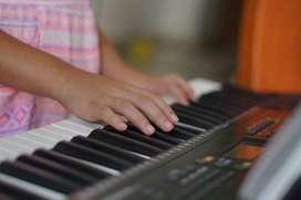 Clases de piano para niños.