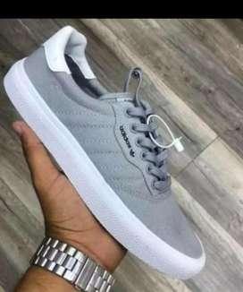 Nueva colección de calzado para hombre