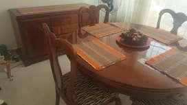 Comedor 4 puestos con bife, madera