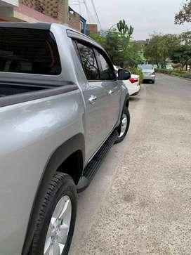 Toyota III (2) DOUBLE CABINE pick-up