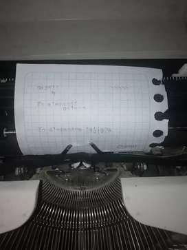 Vendo maquina de escribir en buen estado de conservación