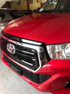 Toyota hilux okm patentada 4x4sr motor 2.8 full con acesorios entrego hoy color bordo $ 3.950.000