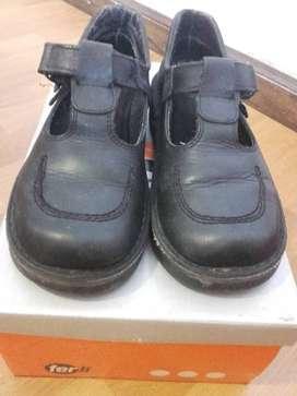 zapatos colegiales Ferli N°35