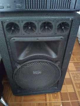 Amplificador y bafles