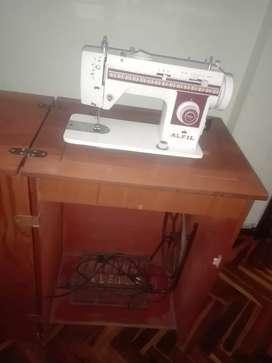 Máquina de Coser Alfil