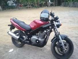 Suzuki gs500 en buen estado vendo o cambio
