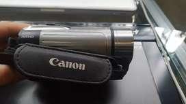 Canon  vixia  HFR R100