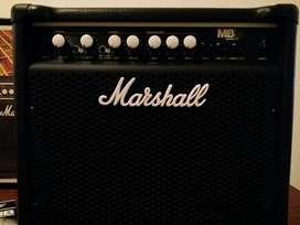 Ampli bajo Marshall Mb15