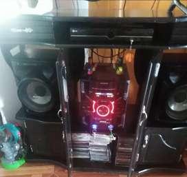 Equipo de sonido Sony + mesa