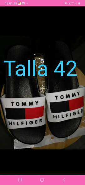 Chancletas tommy