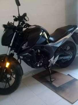 Moto casi nueva buen precio