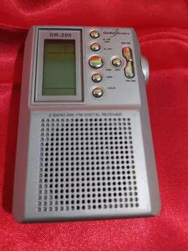 Radio AM//FM a pila, pantalla Digital!!!