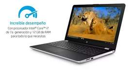 Vendo o permuto por moto notebook hp 15-bs022la I7 12 GB RAM 1Tb Disco windows 10. Impecable. Excelente estado