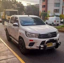 Vendo camioneta Toyota Hilux 4x4 turbo intetcooler.