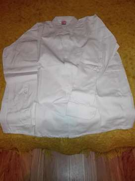 Excelentes camisas de trabajo mangas larga y corta color beige.