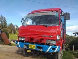 Camion hino con motor fuso en venta