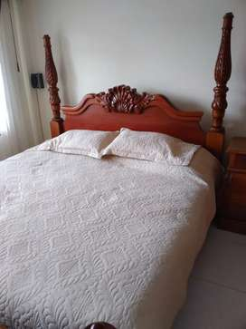 Vendo cama King en cedro
