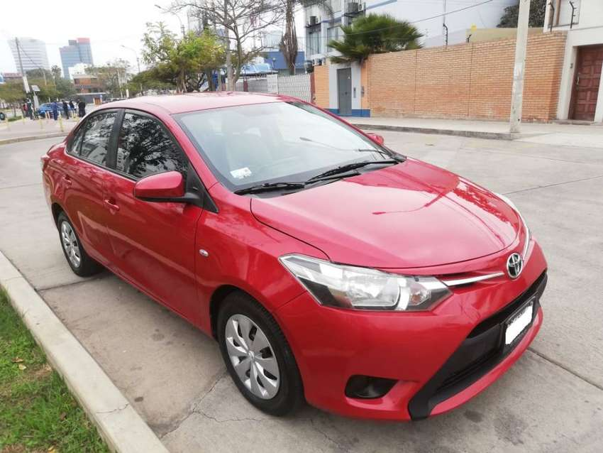 Toyota Yaris 2014 Automático 1.3 AC Dual GNV a 8900 Dólares