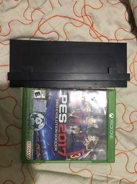Base vertical Xbox One y juegos Pes 17