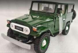 Toyota Fj40 Escala 1:24 Verde, 18 Centímetros de Largo, Metálico Fabricante Diecast Nuevo