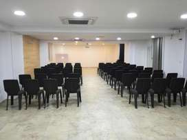 SALON PARA CONFERENCIAS Y EVENTOS TITANIUM