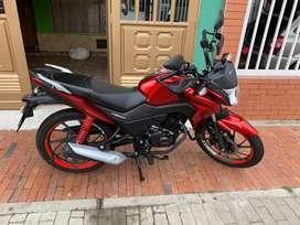 Vendo linda moto Honda 125 modelo 2021 como nueva 3800 km