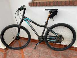 Bicileta specialized myka