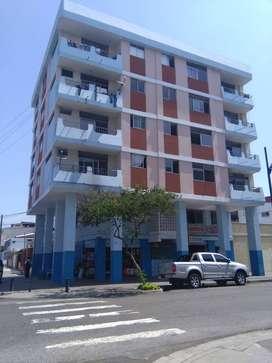 Edificio esquinero en Venta 1067 mts2, con locales comerciales, sector Centro Sur, cerca Barrio Centenario