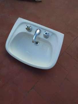 Lavamanos nuevo, marca Ferrum