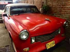Clásico Ford Victoria modelo 1953
