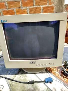 Monitor 17 pulgadas KTC con protector de pantalla