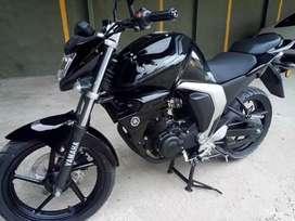 Motocicleta yamaha fz