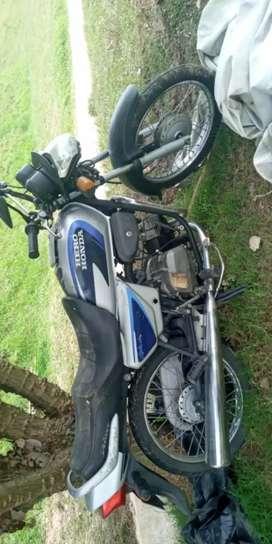 Vendo moto para repuestos