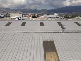 Vendo galpón industrial 1000 m2 con 500 m2 de oficinas. Carcelen Alto.