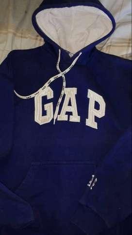 Vendo buzos gap y vans originales talle M, sin uso.