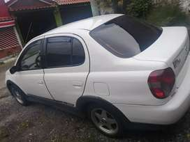 Vendo Toyota echo full extras