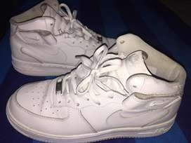 Nike air force altos originales, talla 10us, 28 centimetros, 43 talla nacional.